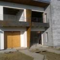 Balconata in Corten per villetta bi-familiare con divisorio centrale